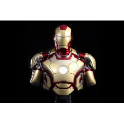 Iron Man 3 - Hot Toys - 1:4 Size - Mark 42 - BUST
