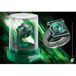 DC Comics - Green Lantern The Movie - 1:1 Prop Replica - Die Cast Green Lantern Ring With Acrylic Display Stand - Noble
