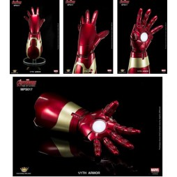 Marvel - Avengers - Age of Ultron - 1/1 SCALE - Iron Man Mark XLIVIII Gauntlet - Guanto Iron Man Mark XLIVIII Con Effett
