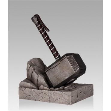 Marvel Comics - Thor\'s Hammer Bookend Diorama