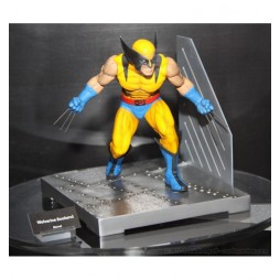 Marvel Comics - Wolverine Bookend Diorama