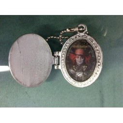 Alice in Wonderland - The Movie - Keyring 2D - Metal - Cappellaio Matto