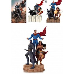 Dc Comics - DC Designer Statue - Trinity by Jason Fabok - Pre Painted Polyresin Statue