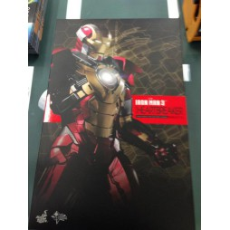 Iron Man 3 - Mark 17 Heartbreaker - Hot Toys